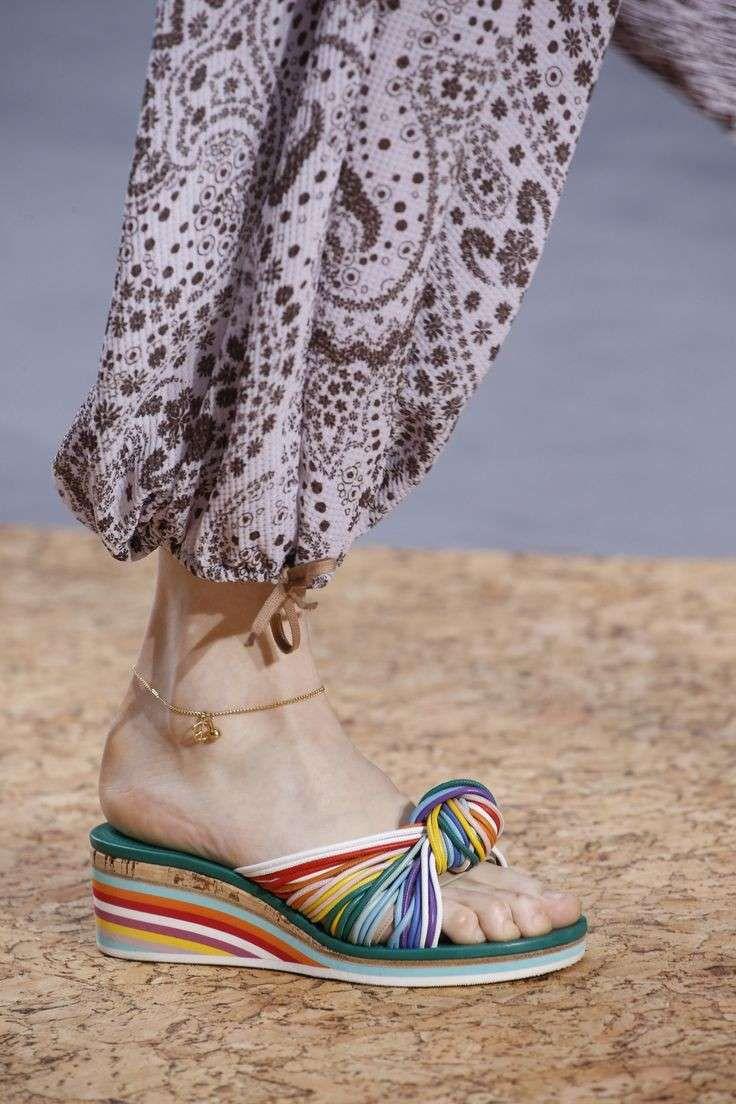 sandali-con-fili-colorati-intrecciati-e-zeppa-multicolor