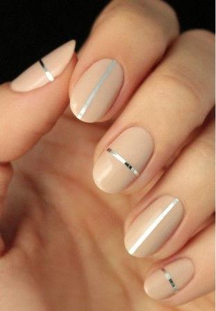 Nail art nude e argento