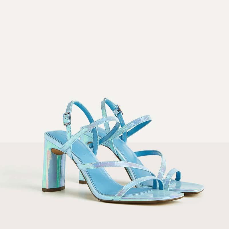 Sandali con tacco e fascette iridescenti